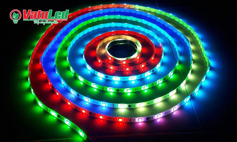 LED day trang tri tran nha